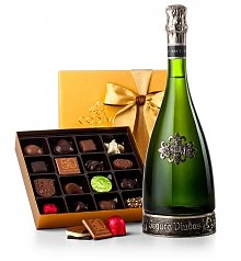 Champagne Gifts: Segura Viudas Champagne and Godiva Chocolates