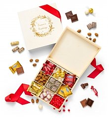 Chocolate & Sweet Baskets: Season's Greetings Chocolate Box